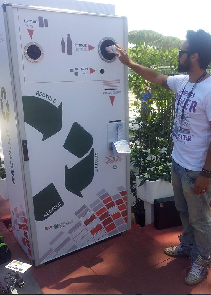 reverse-vending-machine-italia-Plasturgica2